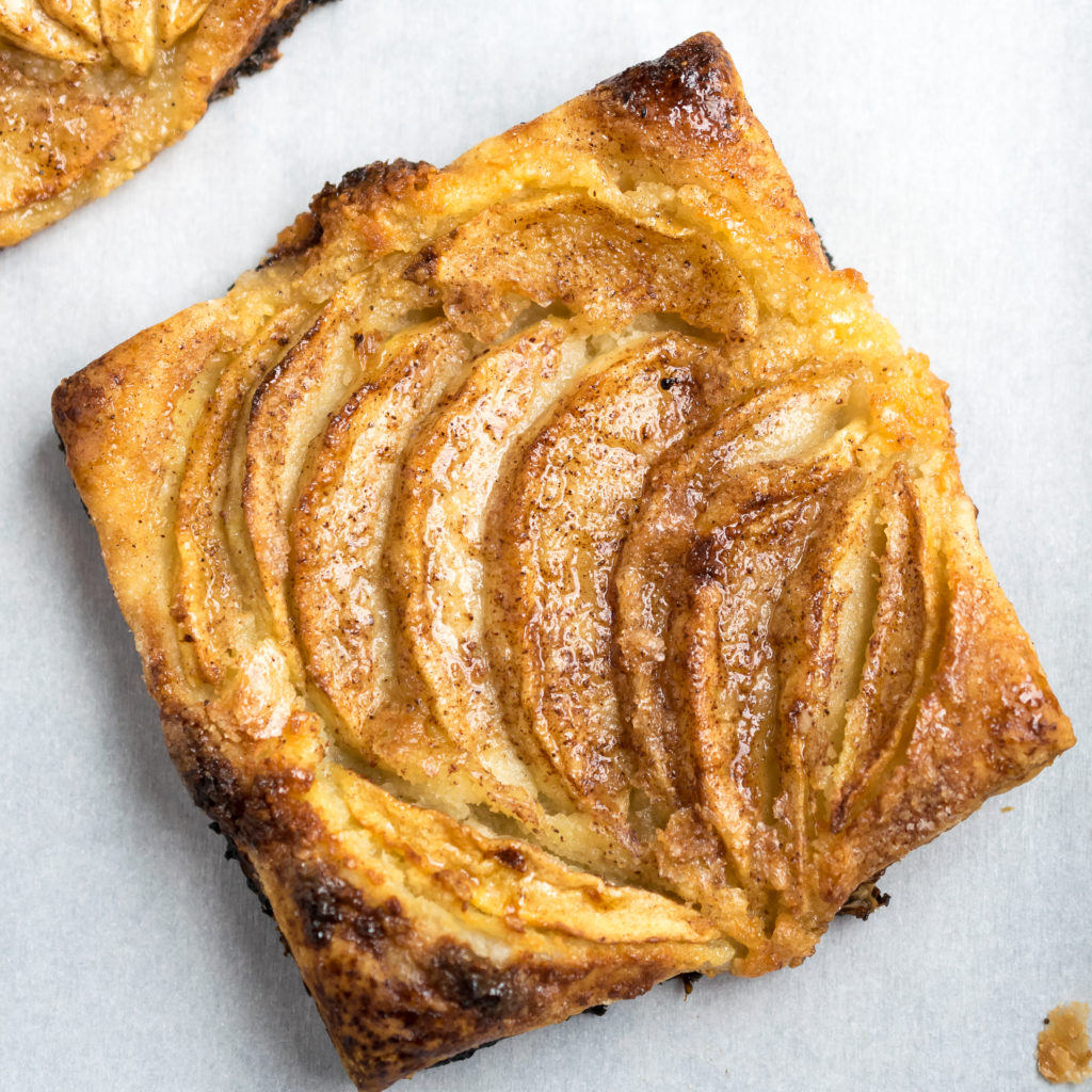 Almond Apple Cake Cinnamon